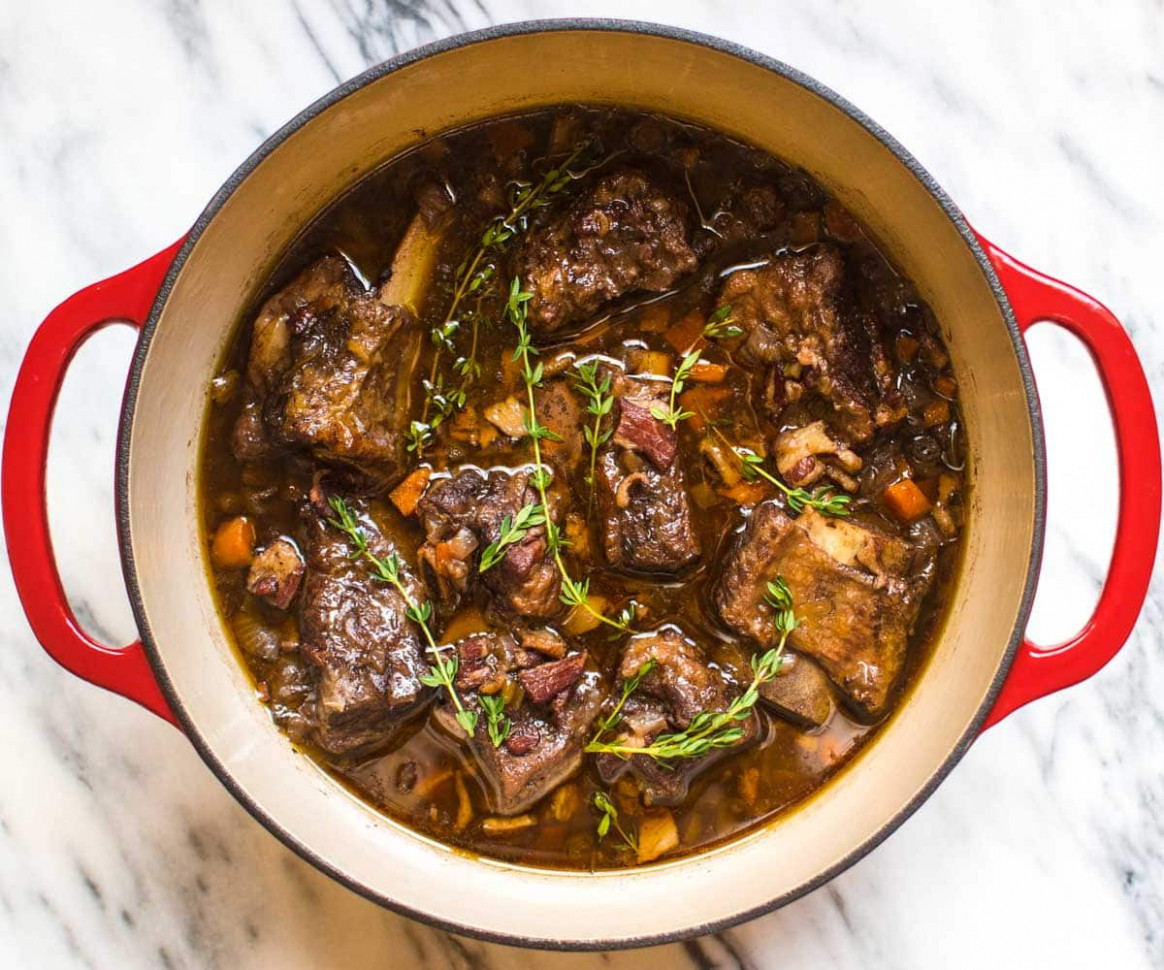 10 Easy Recipes You Can Make In A Dutch Oven - Pinch Of Yum - Recipes Dutch Oven Chicken