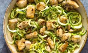 10 ingredient Garlic Chicken Zoodles
