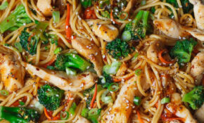 15 Minute Chicken Stir Fry Noodles | Keto Recipes | Stir ..