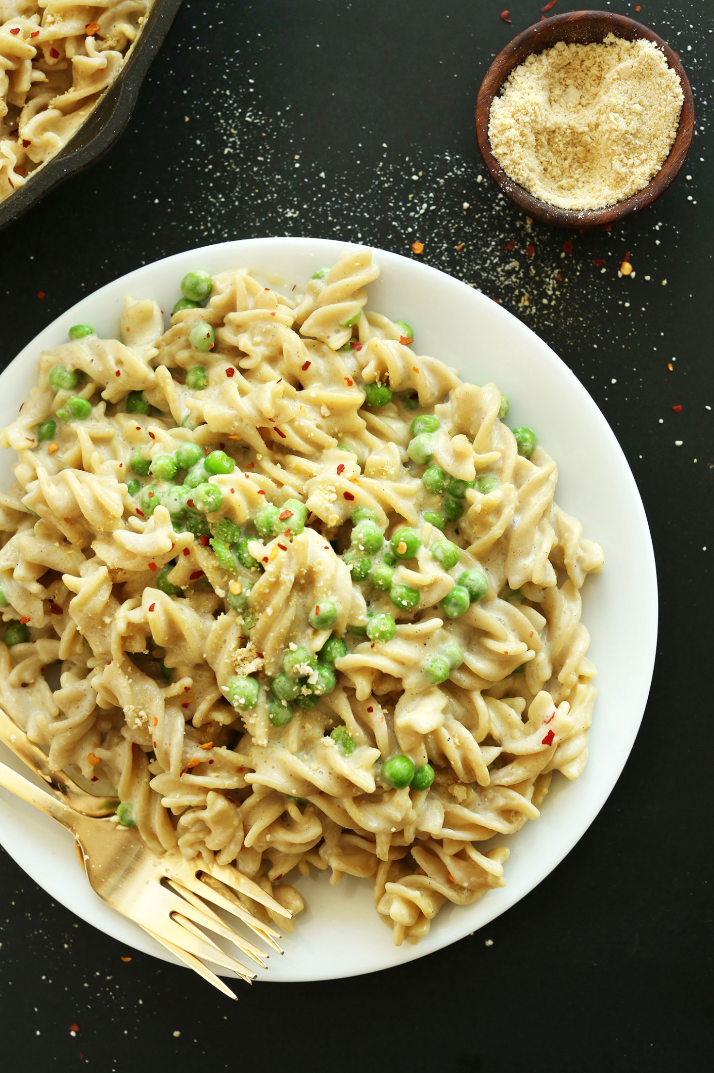 15 Minute Vegan Alfredo (Vegan + GF) - Creamy Pasta Recipes Vegetarian