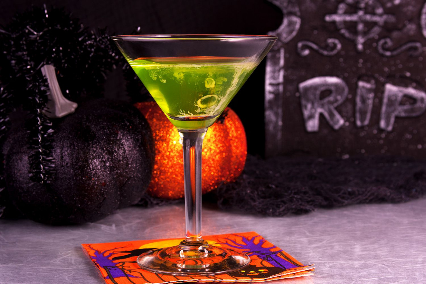 40 Haunting Halloween Cocktails and Party Shots - veggie recipes dinner