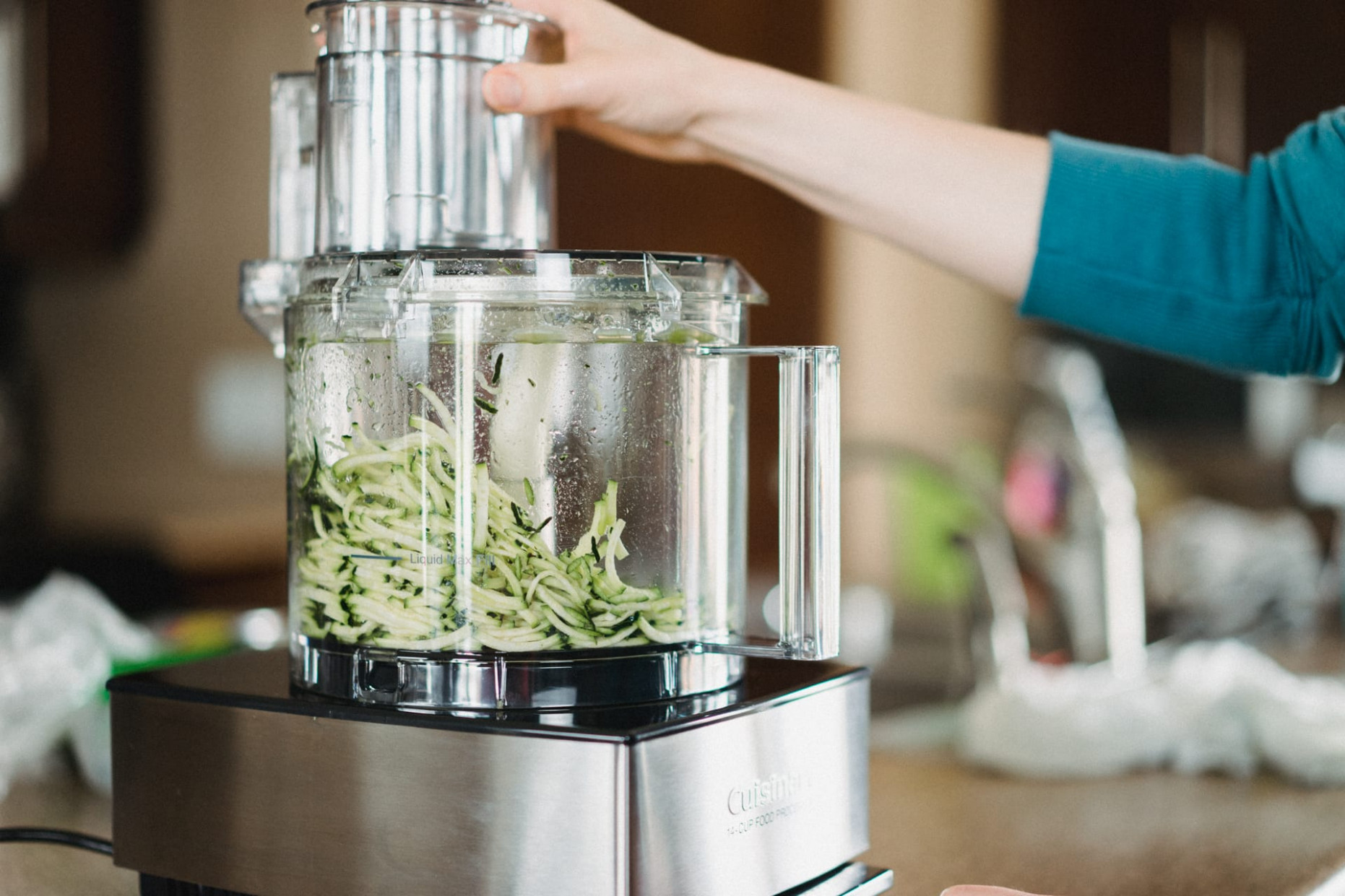 A Review of the Cuisinart Custom 13-Cup Food Processor ..
