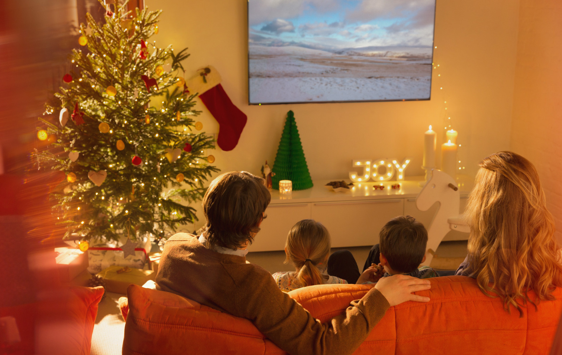 A TV channel playing Christmas movies 24-7 is about to launch! - salad recipes for xmas dinner