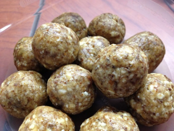 Almond Tahini Date Balls Recipe - Food