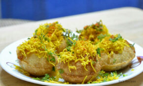 Aloo Sev Puri Recipe – Dinner Recipes Jeyashri's Kitchen