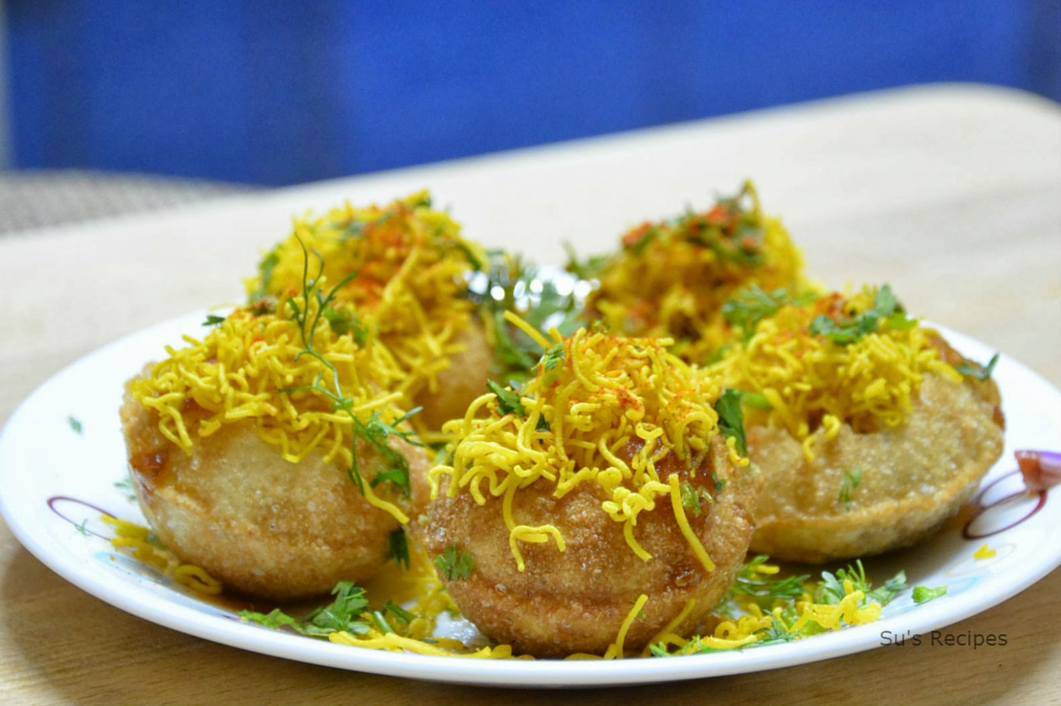 Aloo Sev Puri Recipe - Dinner Recipes Jeyashri's Kitchen