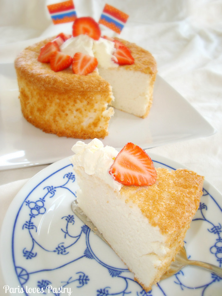 Angel Food Cake With Cream & Strawberries - Recipes With Angel Food Cake