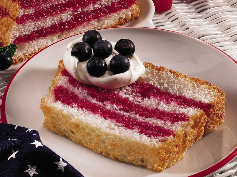 Angel Food Flag Cake - Recipes Using Angel Food Cake Mix
