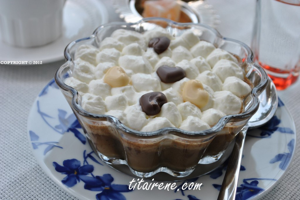 Arabic Coffee Pot de Crème with Whipped Cream - arabic food recipes with pictures