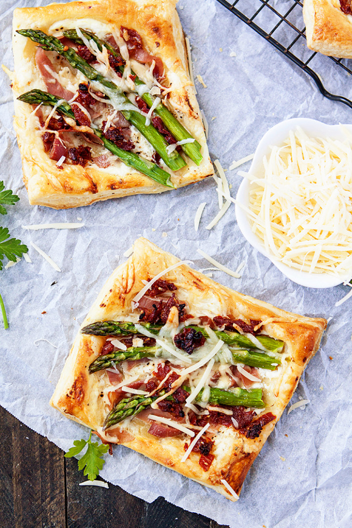 Asparagus Prosciutto Puff Pastry Pizzas - recipes with puff pastry for dinner