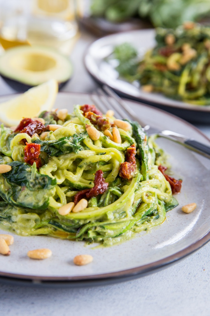 Avocado Pesto Zoodles - vegetarian recipes zucchini tomatoes