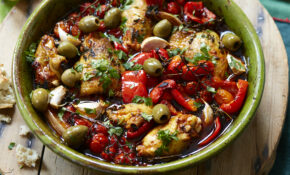Baked Chicken Thighs With Paprika And Peppers – Recipes Made With Chicken Thighs