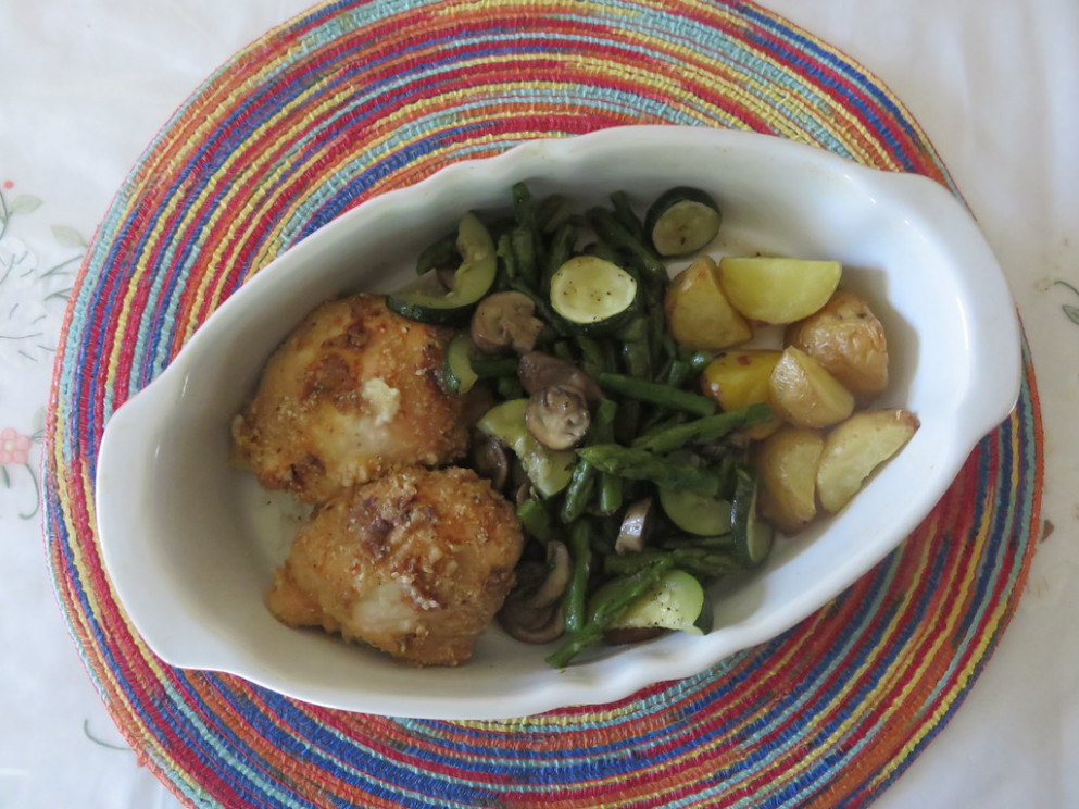 Baked Chicken with Garlic-Roasted Potatoes - recipes on baked chicken