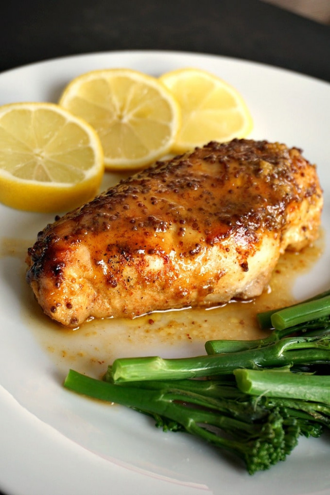 Baked honey mustard chicken breast with a touch of lemon - recipes for chicken