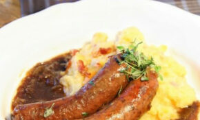 Bangers and mash - British pub classic. English Food. Try ...