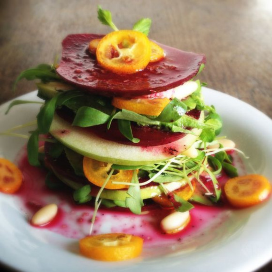 Beetroot Apple Mille-Feuille This raw vegan mille-feuille ..