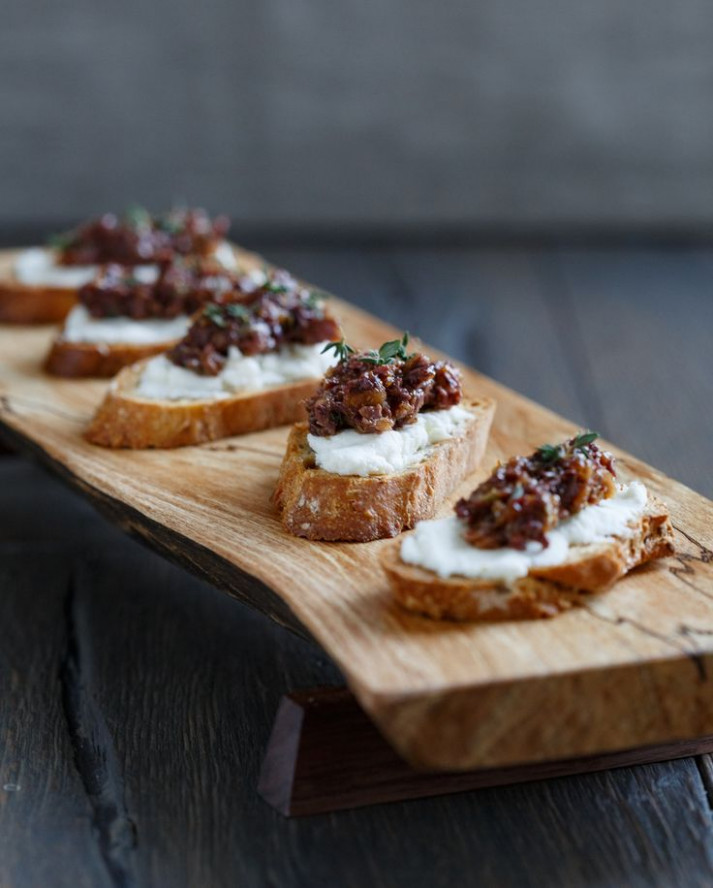 Best Crostini with Goat Cheese and Fig-Olive Tapenade ..