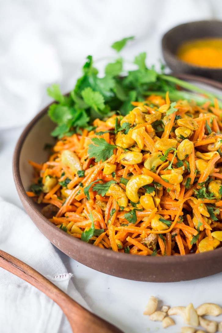 Bombay Carrot Salad with Cashews and Raisins - healthy indian recipes