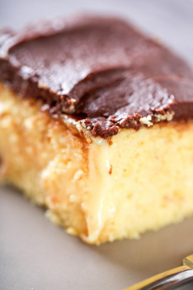 Boston Cream Poke Cake Recipe | TheBestDessertRecipes