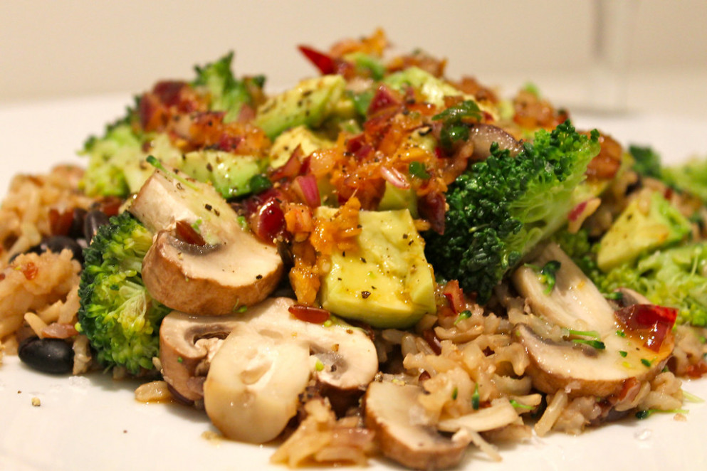 Brown and Red Rice with Avocado, Black Beans and Broccoli - recipes beans and rice vegetarian