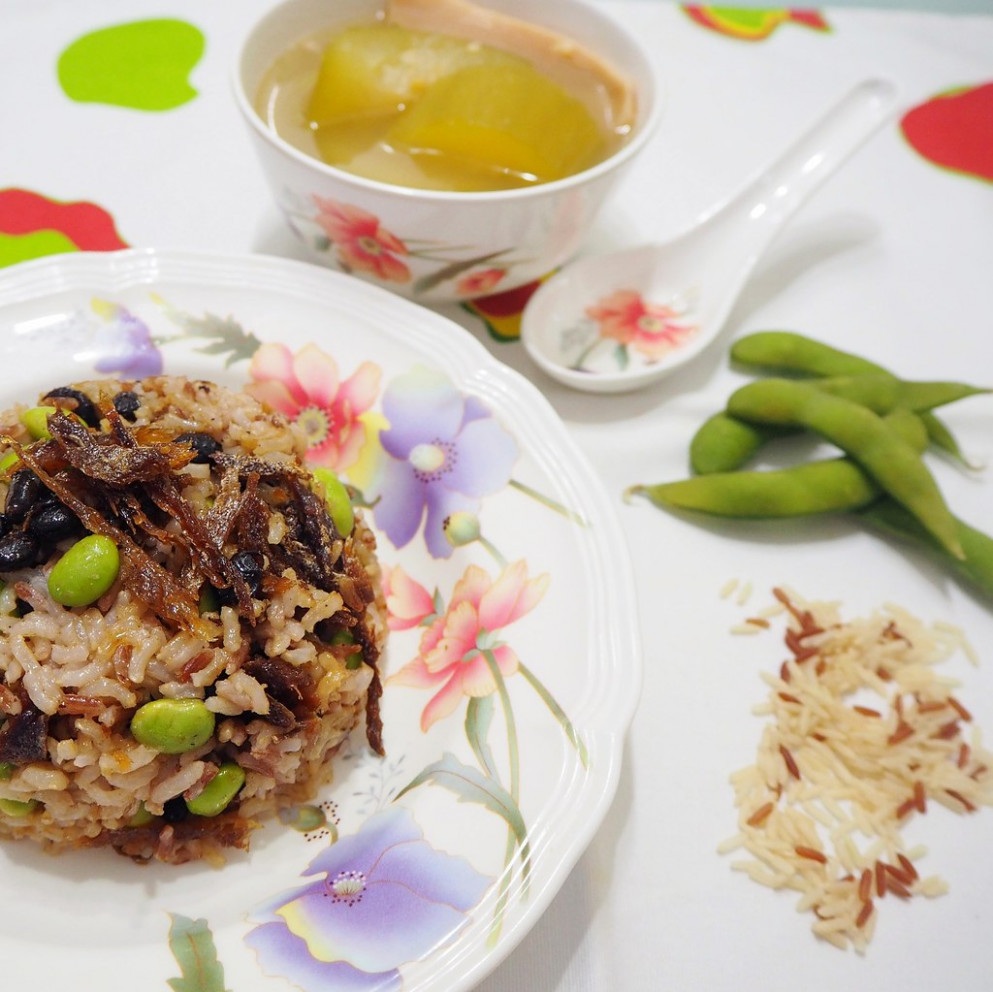 Brown Rice with Dace Fish and Edamame ( 美味豆豉鯪魚糙米饭 ) - healthy recipes asian