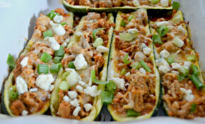 Buffalo Chicken Zucchini Boats (Low Carb & ONLY 4 ..
