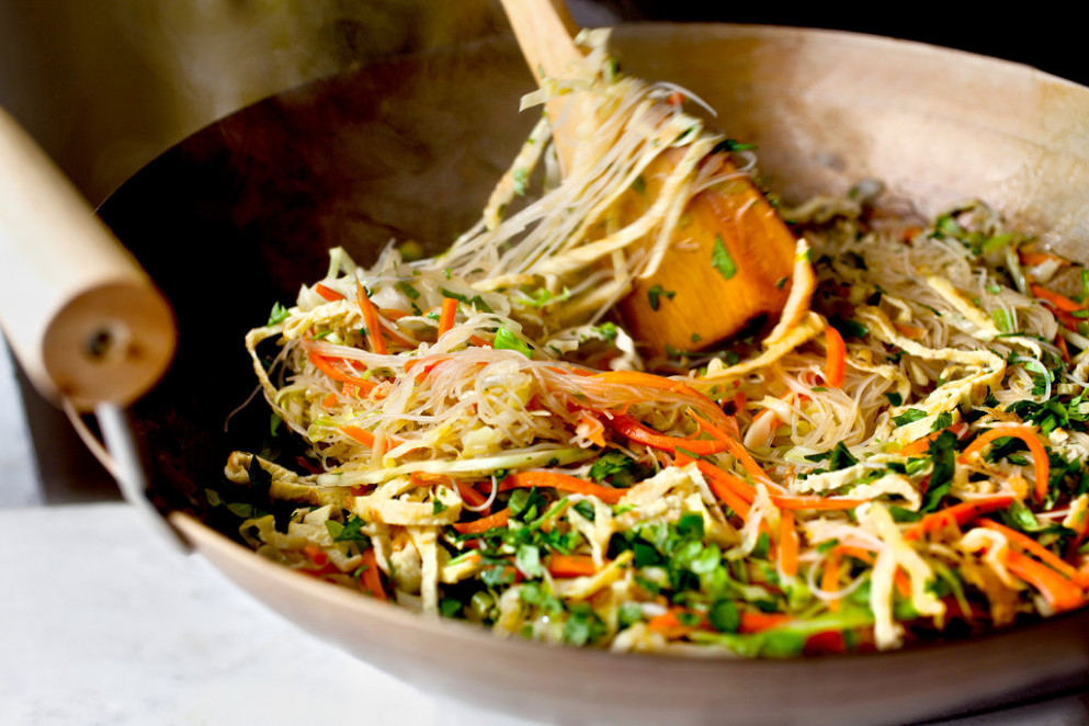 Cabbage and Carrot Noodles With Egg - Recipes For Health ..