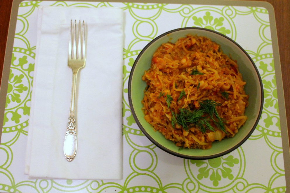cabbage with tomatoes, bulgur, and navy beans - recipes navy beans vegetarian