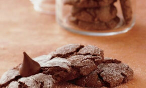 Cake Mix Fudge Crinkle Cookies recipe from Betty Crocker