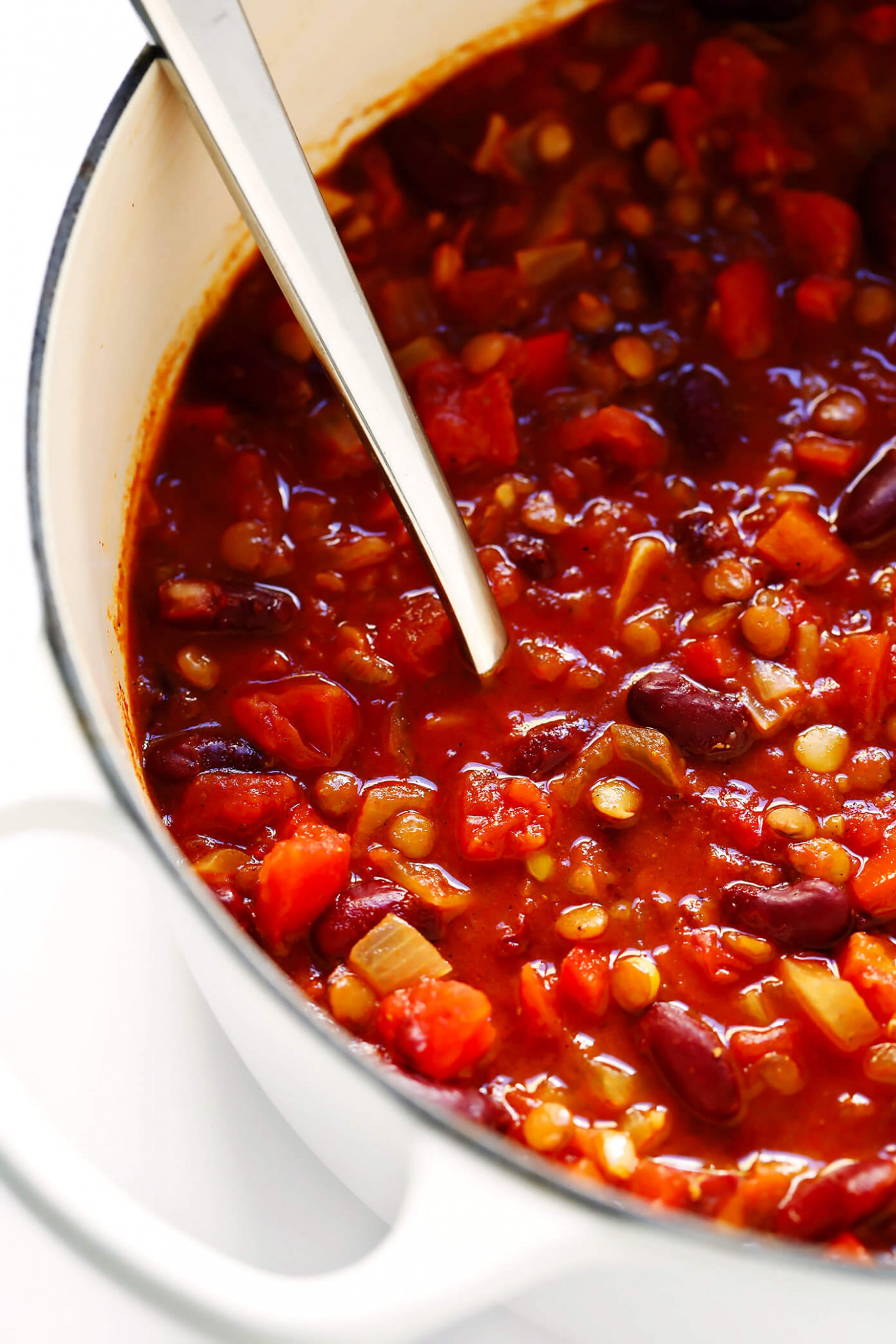 Can't-Believe-It's-Vegetarian Chili | Gimme Some Oven - recipes for vegetarian chili