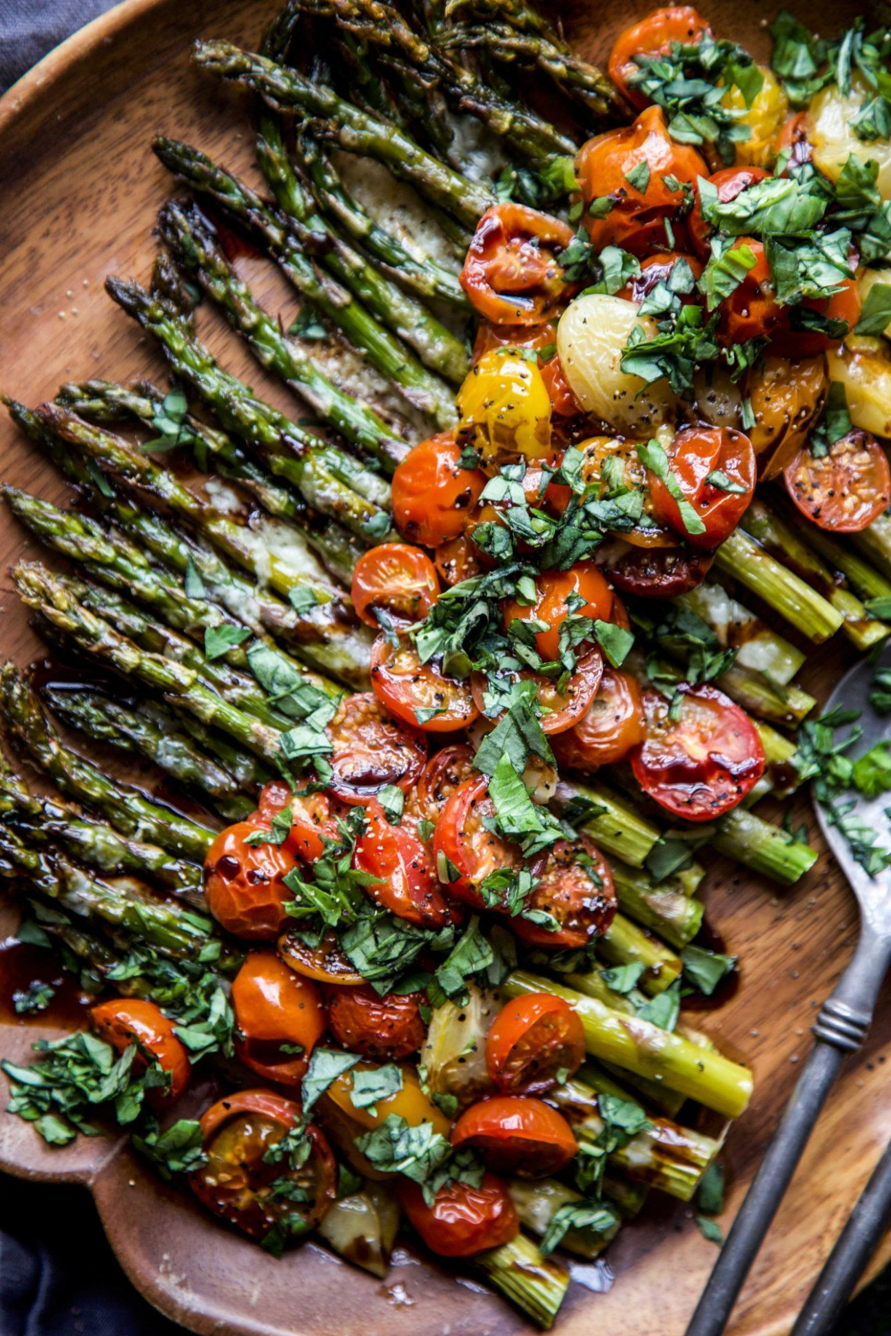 Caprese Roasted Asparagus - vegetarian recipes asparagus