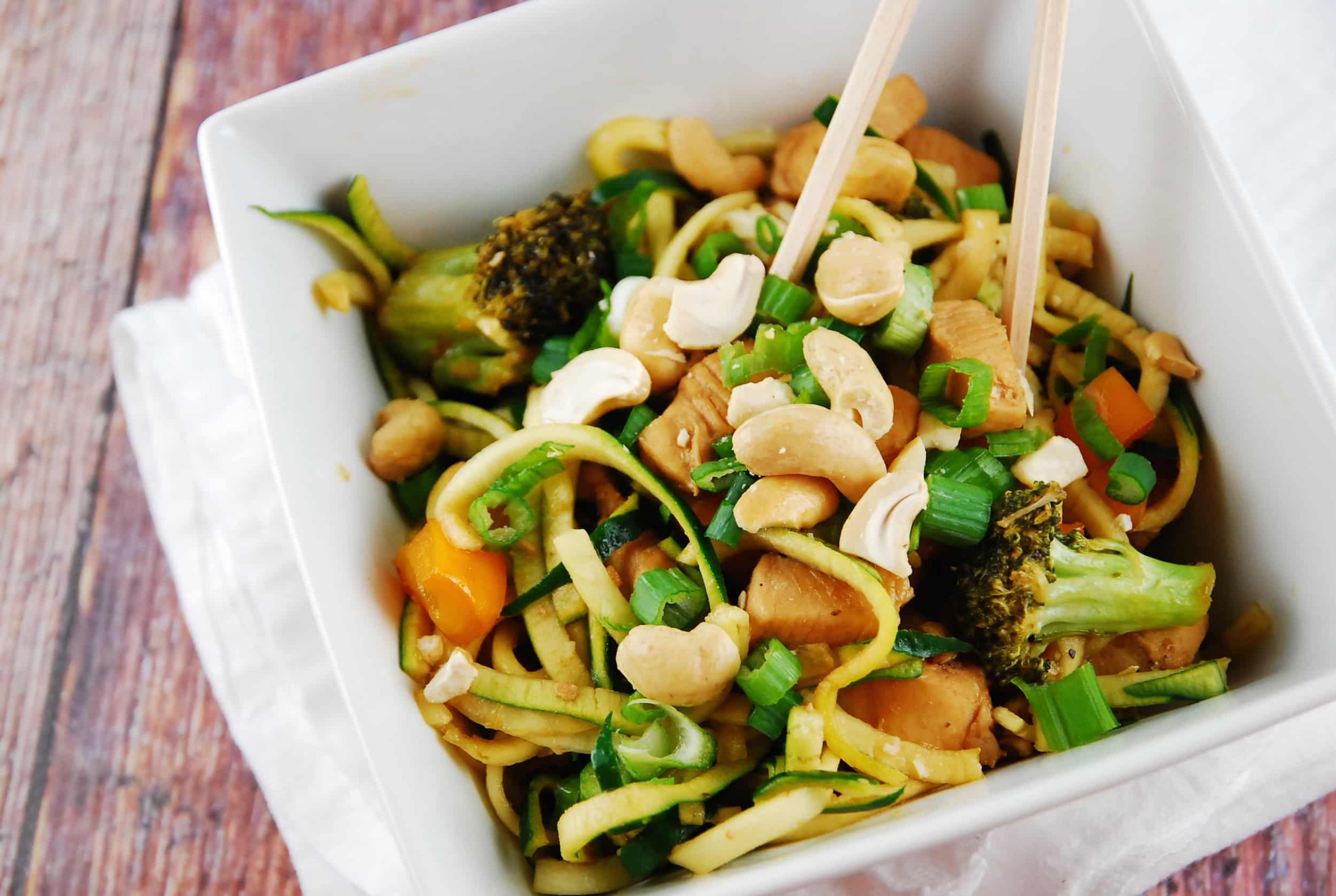 Cashew Chicken with Zucchini Noodles Recipe - 8 Points ..