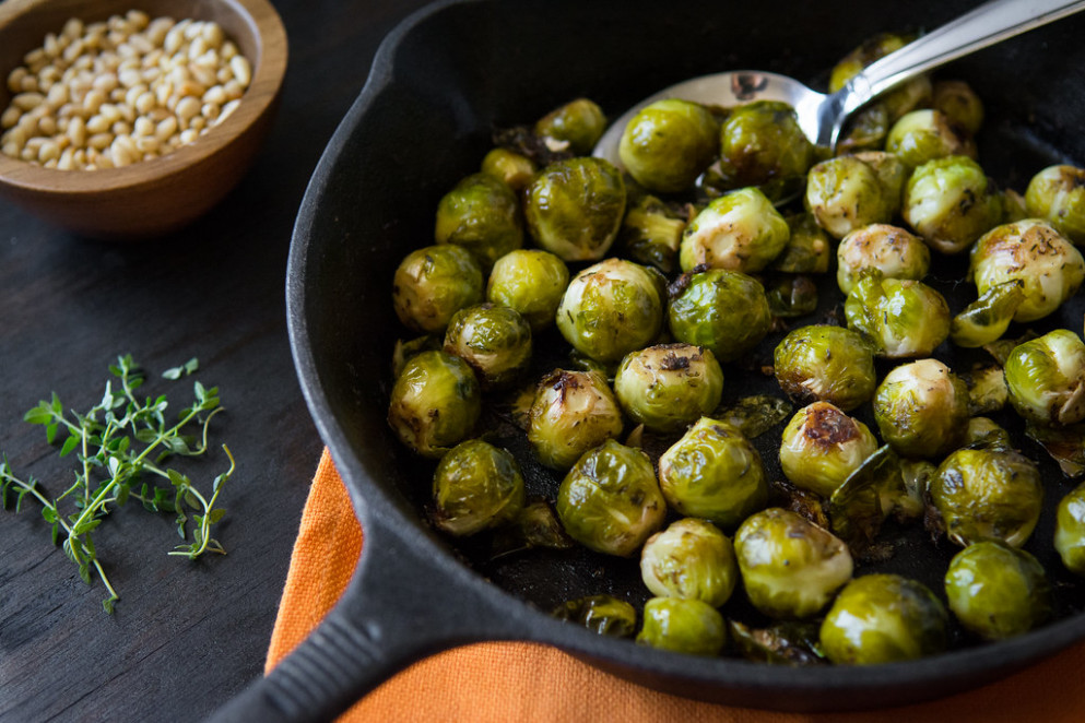 cast iron brussel sprouts with pine nuts - recipes vegan healthy