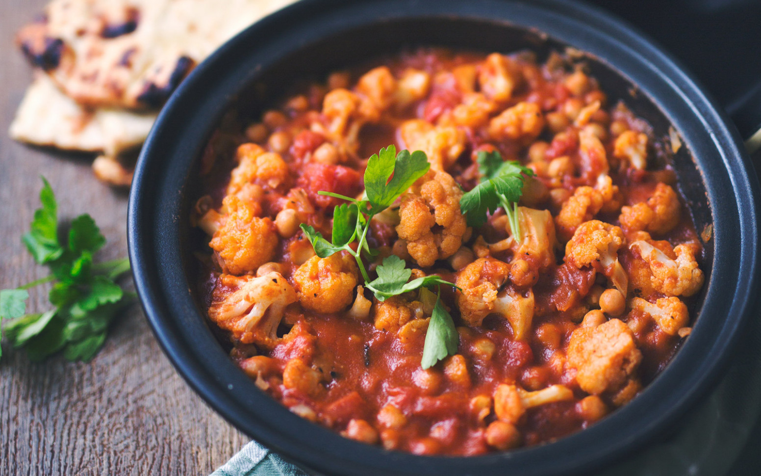 Cauliflower and Chickpea Tagine [Vegan, Gluten-Free] - recipes vegetarian tagine