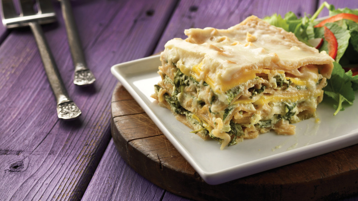 Cheesy Kale Lasagna | Low-Calorie Lasagna Recipe - Clean ...