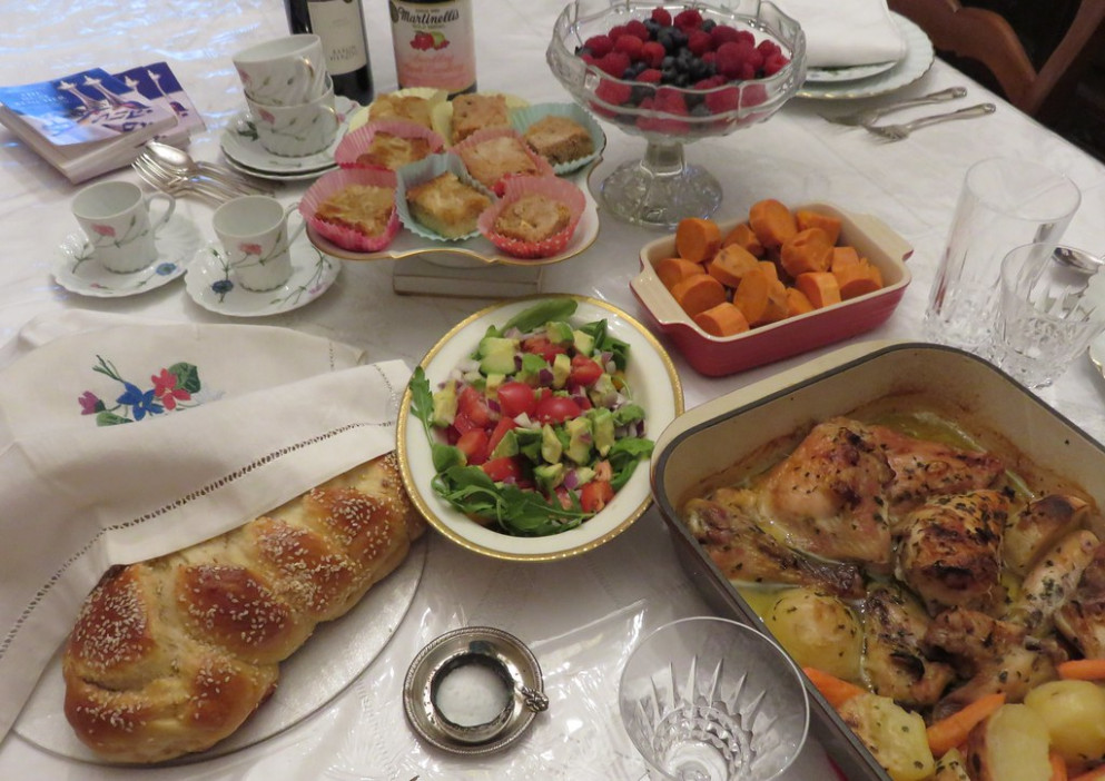 CHEZ SIMONE. Challah. Baked Chicken and Potatoes. Pear Bars and Apple Bars