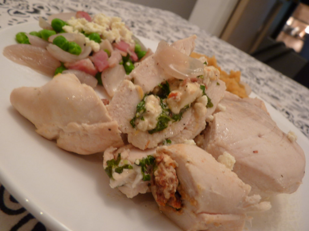 CHICKEN STUFFED WITH SUNDRIED TOMATOES, BASIL, PARSLEY AND FETA - recipes quick and easy chicken
