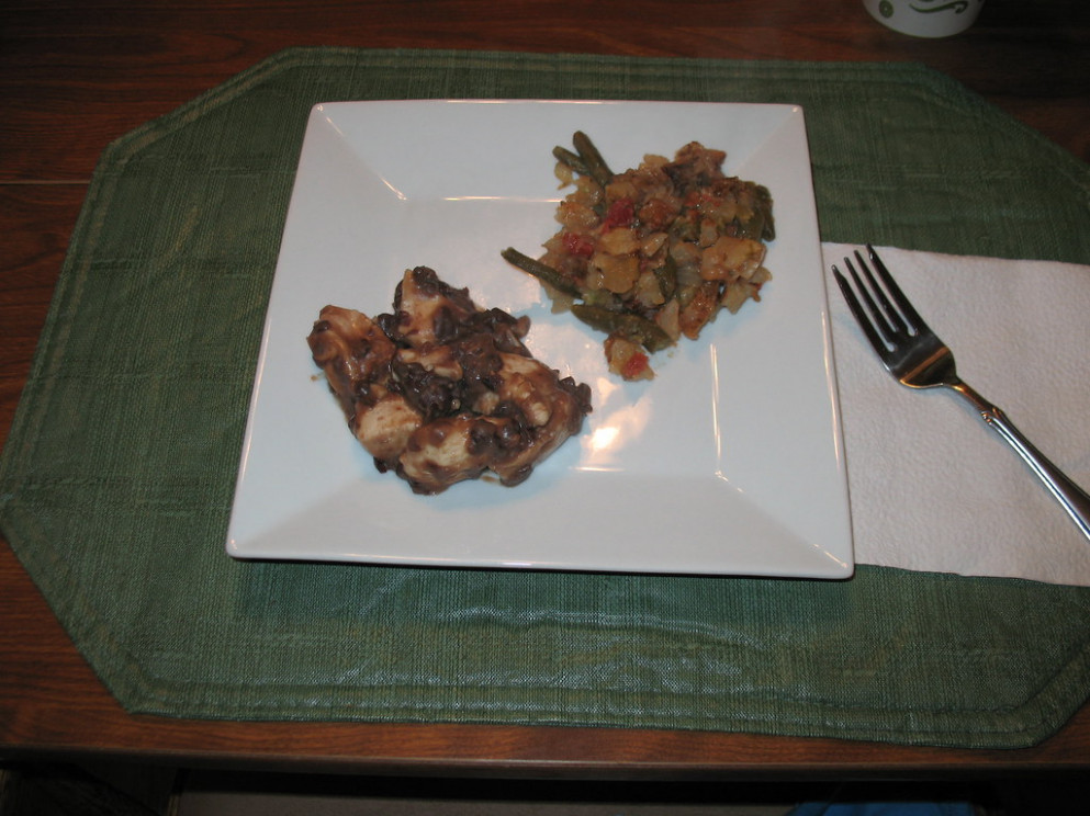 Chicken with Black Beans and Slow Cooker Veggie Mix - slow cooker recipes chicken breast