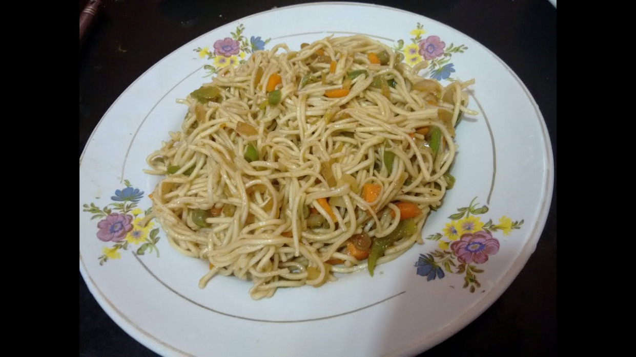 Chinese veg noodles recipe| vegetable noodles in kannada ..