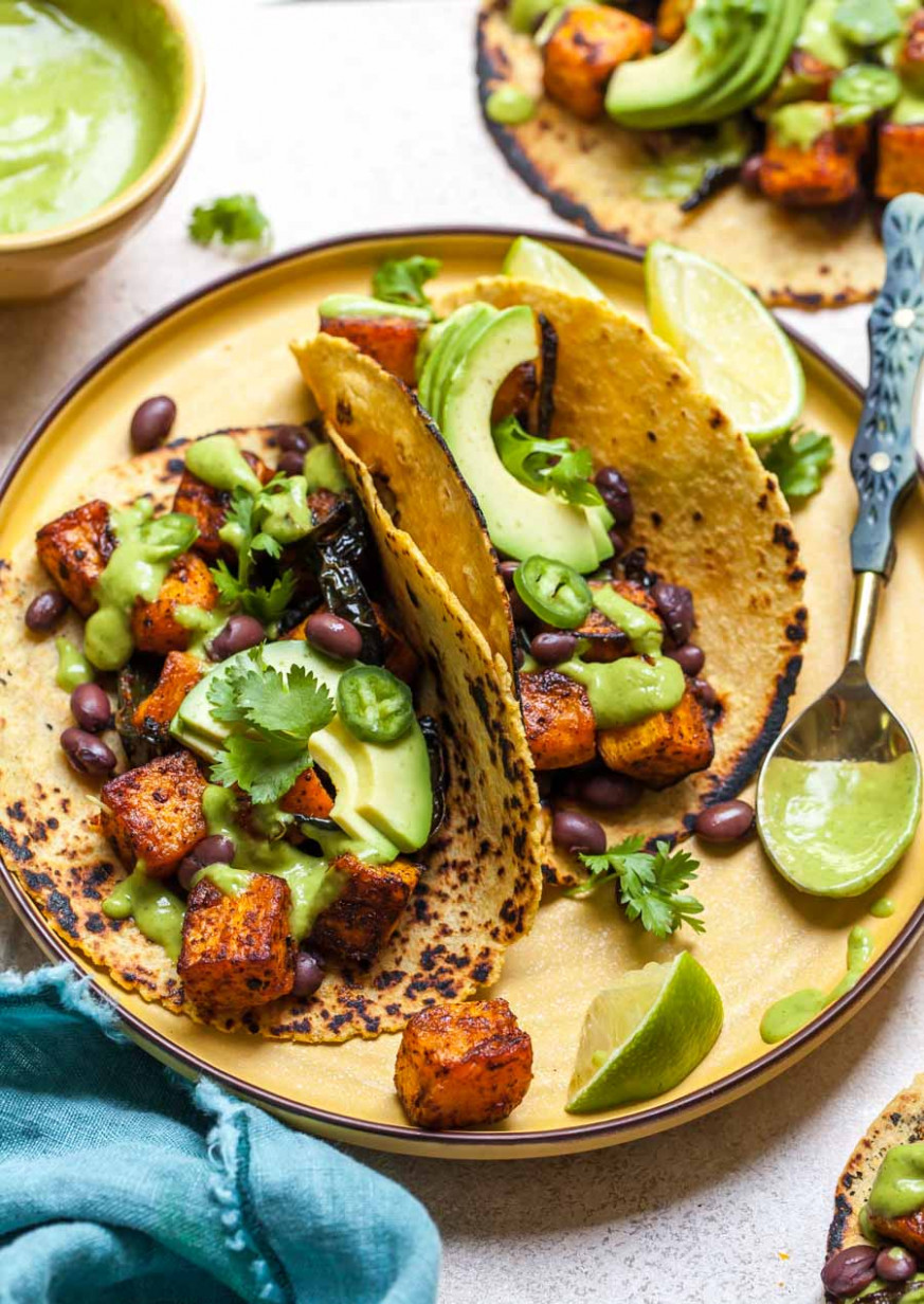 Chipotle-Roasted Butternut Squash Tacos (Vegan) - recipes vegetarian tacos