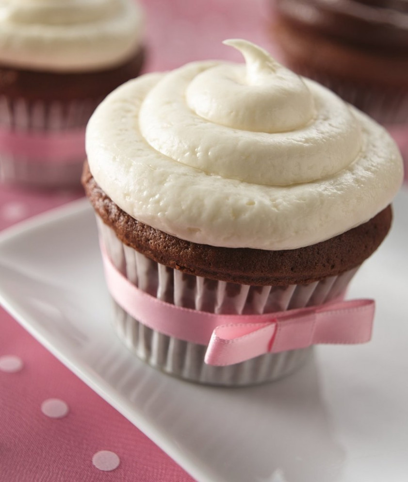 Chocolate Cupcakes With White Truffle Frosting Recipe - Recipes With Devil's Food Cake Mix
