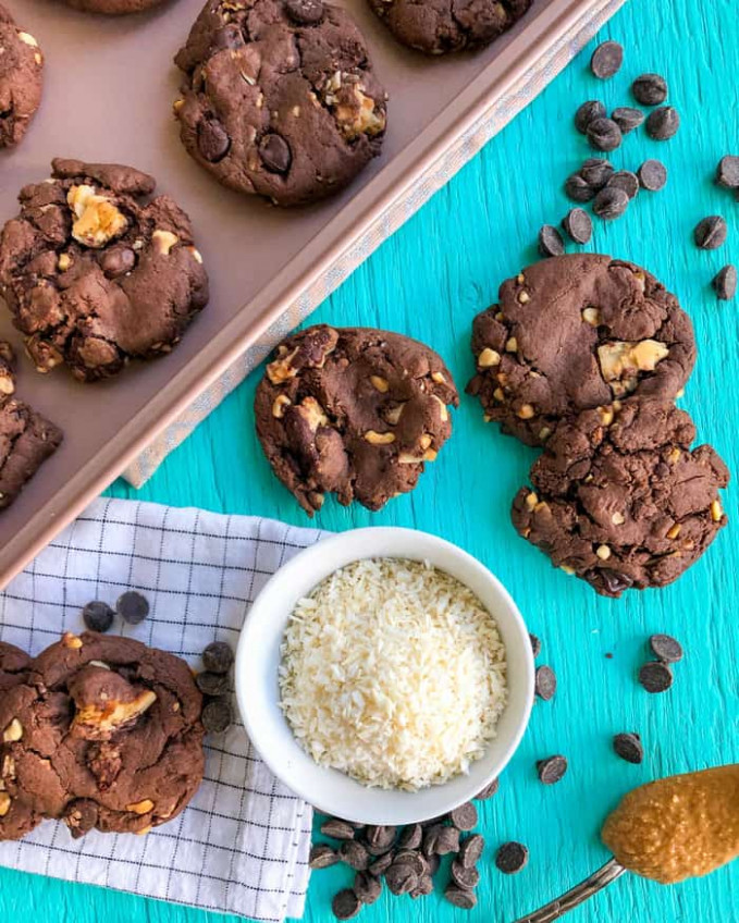 Chocolate Peanut Butter Cookies with Cake Mix | No Butter ..