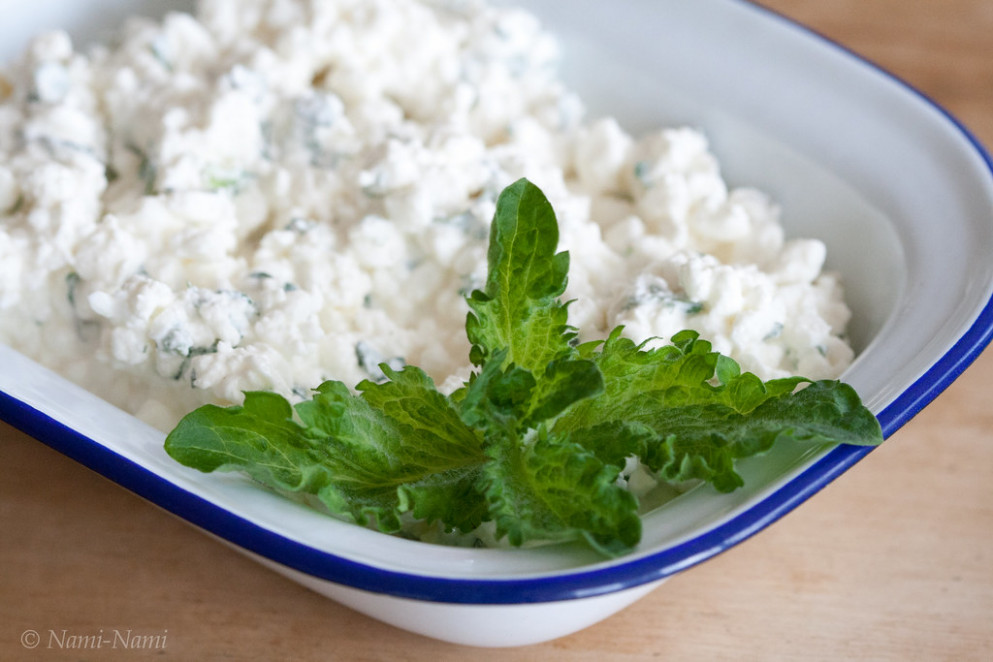Cottage cheese with mint / Kodujuust mündiga - georgian food recipes