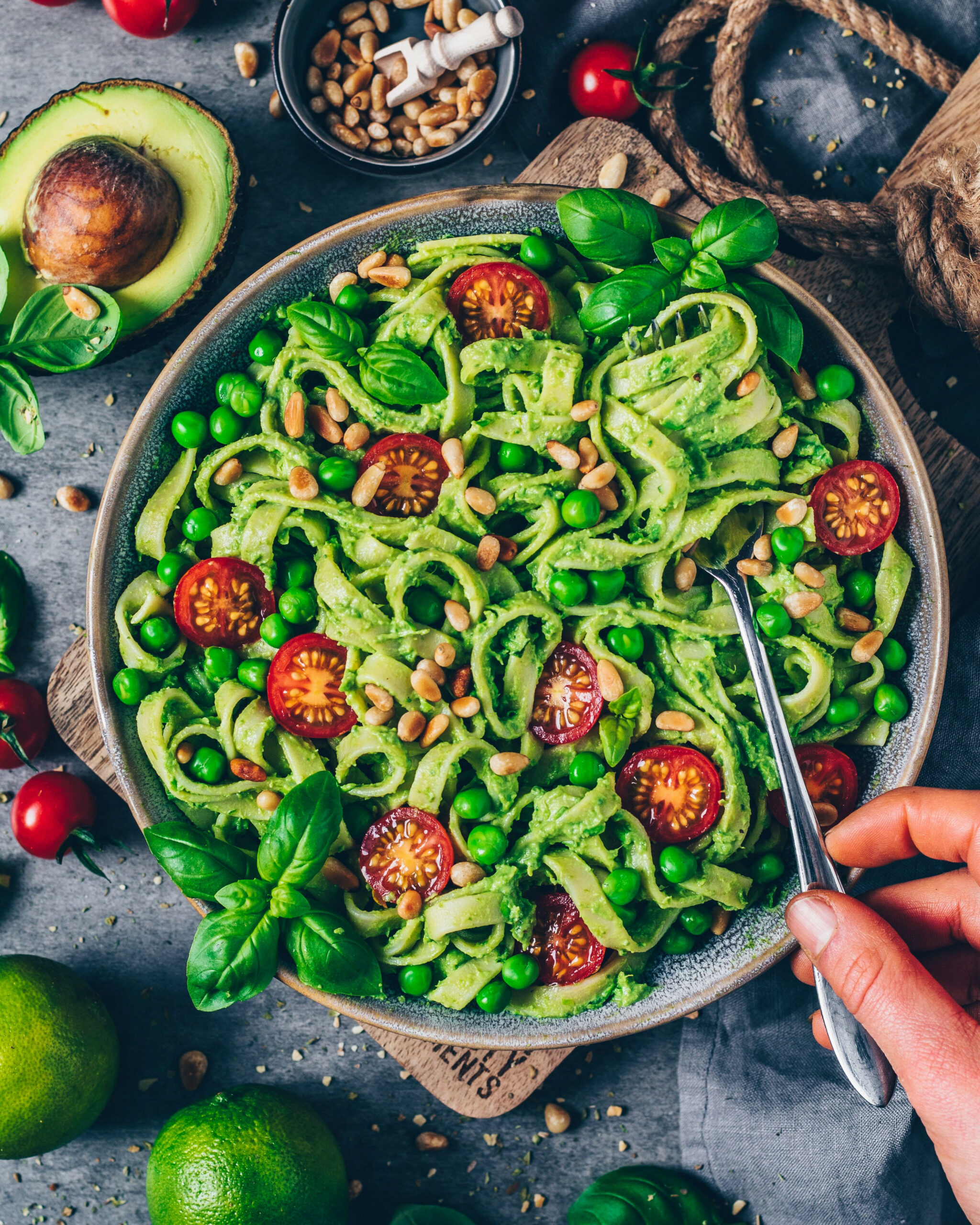 Creamy Avocado Pasta (Guacamole) - dinner recipes veg