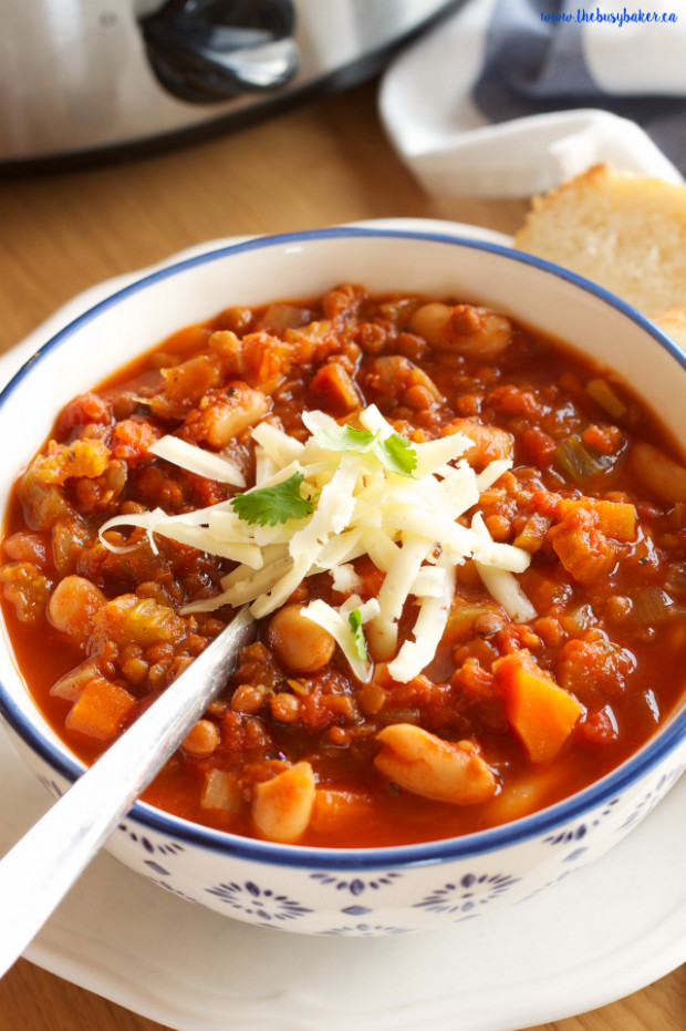 Crock Pot Vegetarian Chili (Slow Cooker) - The Busy Baker - crockpot recipes vegetarian