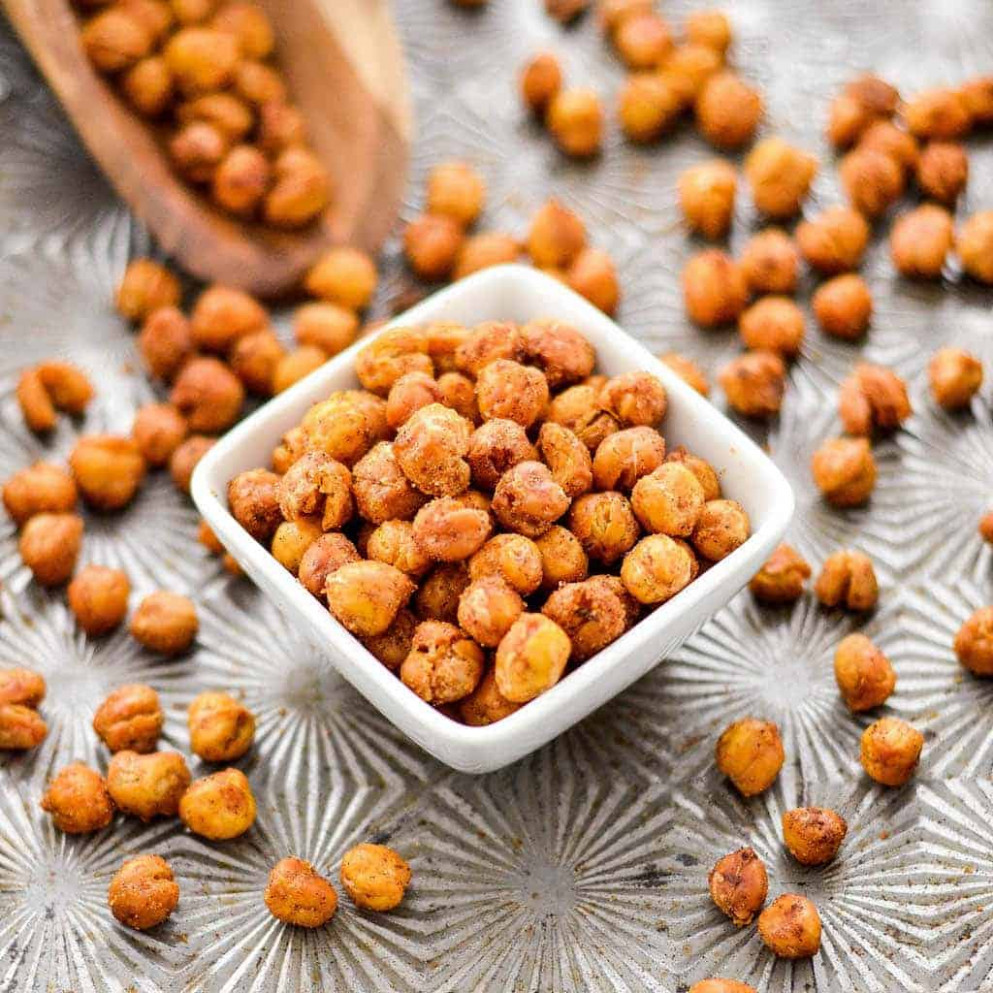 Crunchy Roasted Chickpeas - recipes of healthy snacks