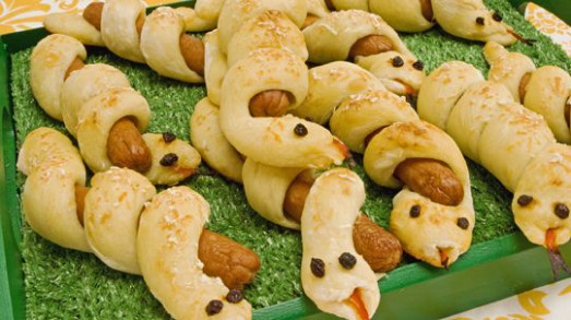 Curly Hotdog Snakes - Recipes - Best Recipes Ever | VBS ..