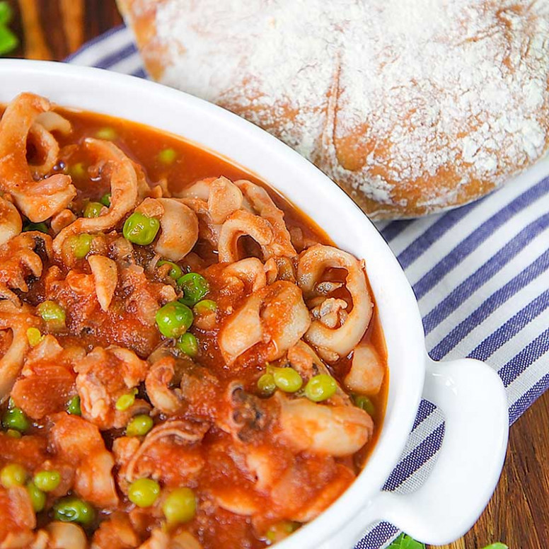 CUTTLEFISH STEW with green peas, Italian style - recipes vegetarian entrees