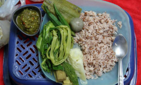 Day 24 Vegetarian Thai Food: MK Veggie Plate, Nam Prik ...