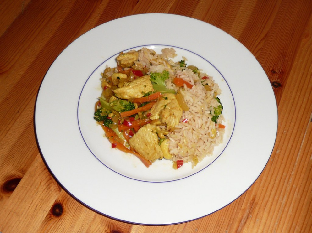 Delicious food - hot chicken with rice - recipes healthy dinner for two